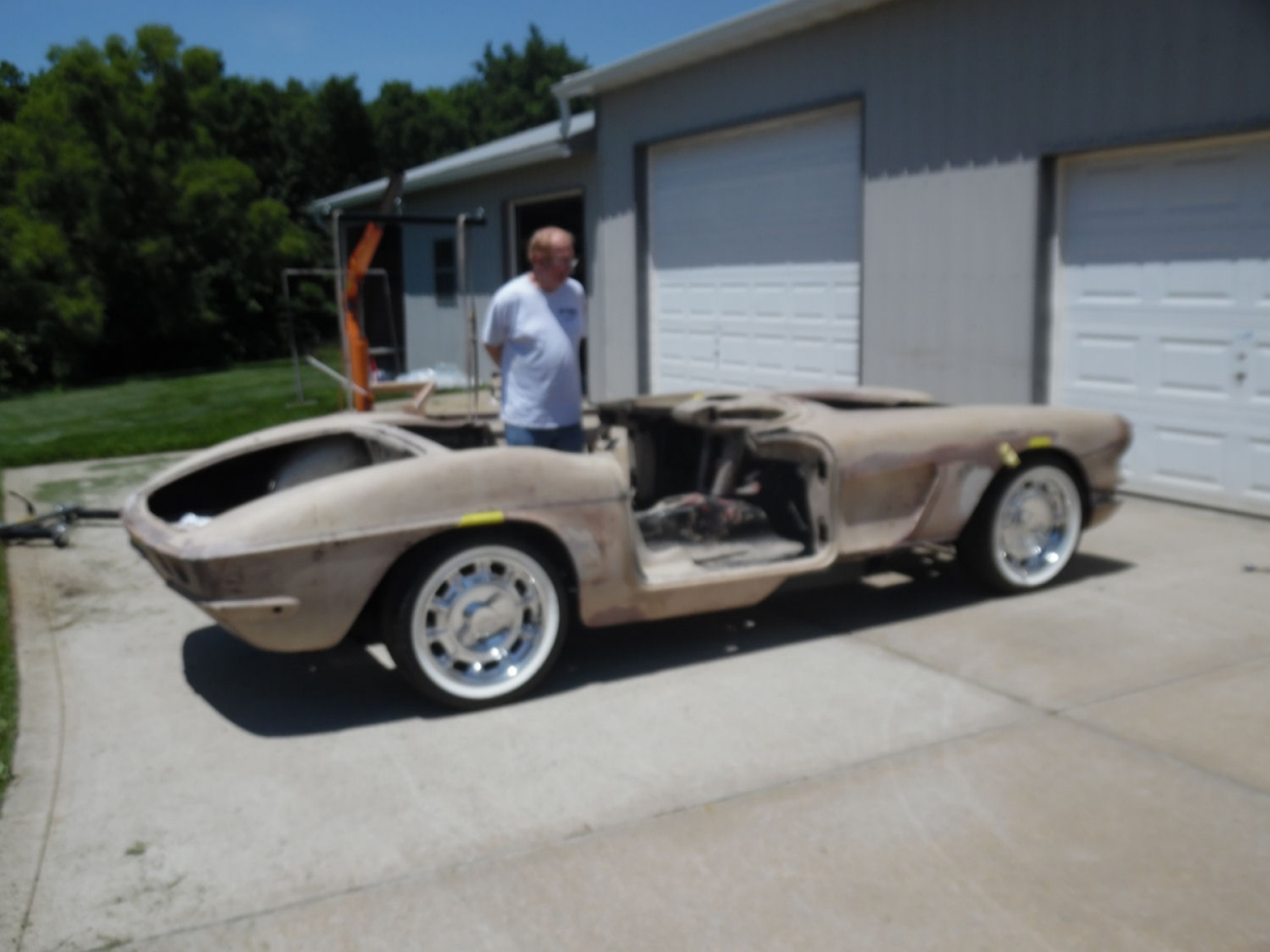 C-1 | Midwest Corvettes and Classics
